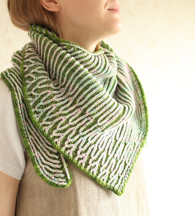 Itu shawl worn around the neck