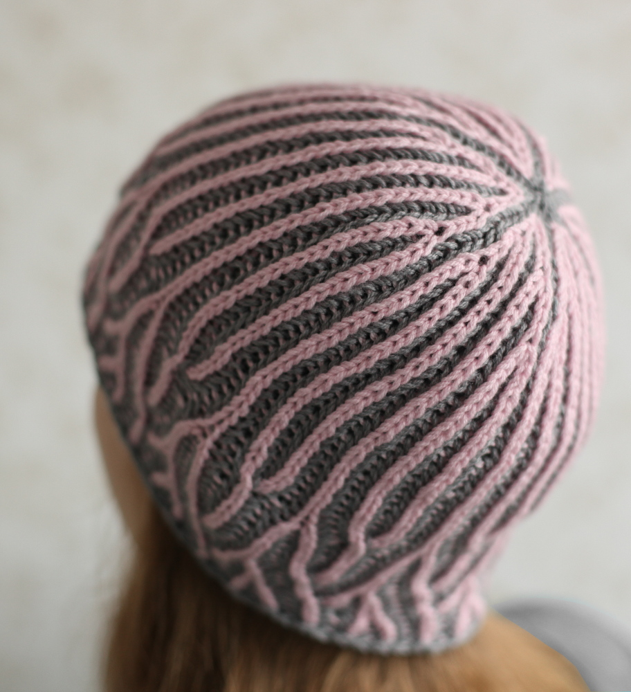 Pink and gray Moreeni hat
