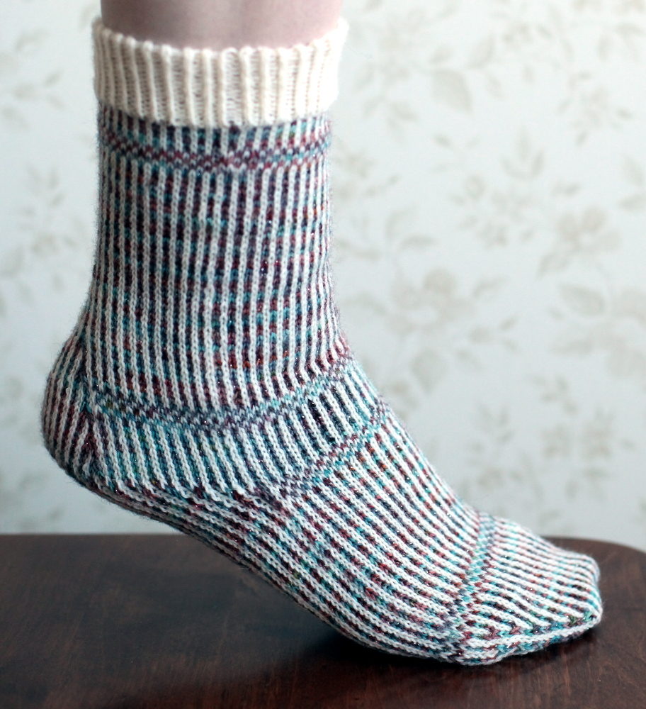 Miriam sock, white cuff