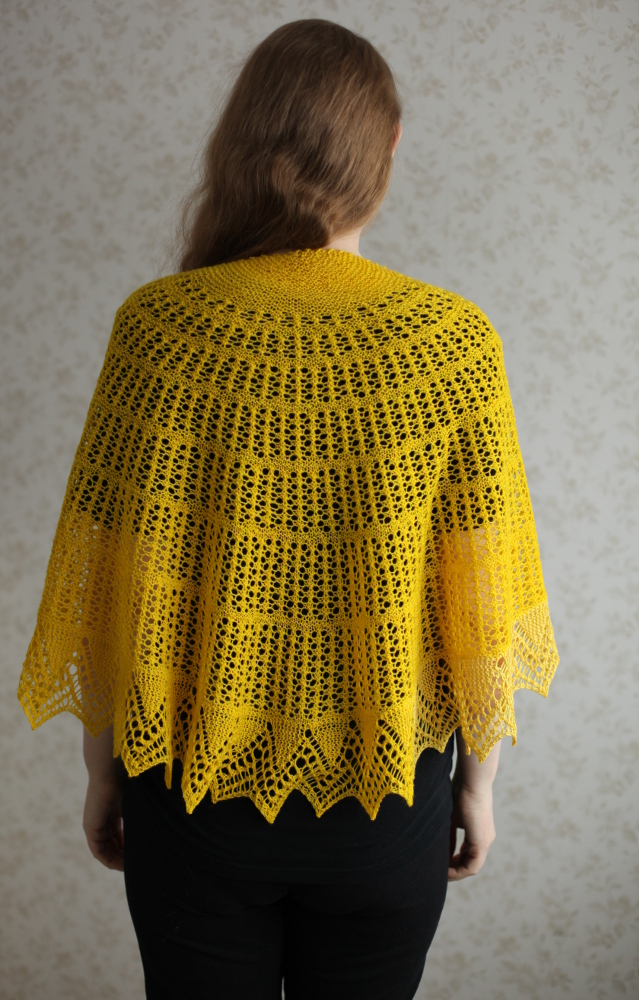 Yellow Halo shawl on the shoulders