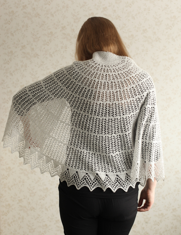 Halo shawl on the shoulders