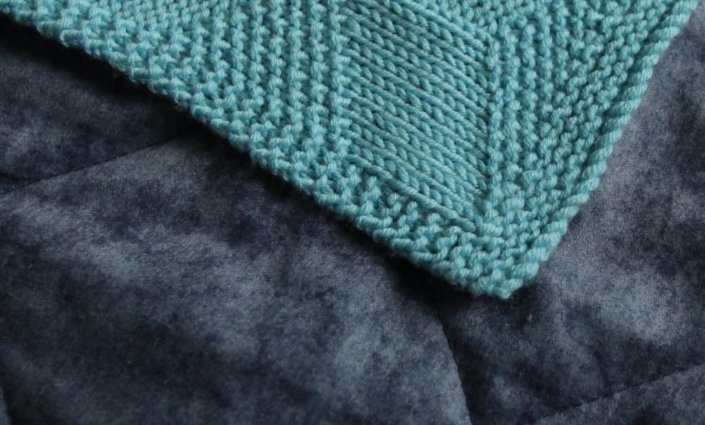 The corner of the Kuutio blanket